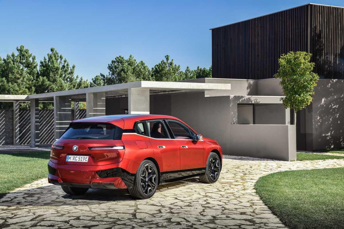 BMW ix rear