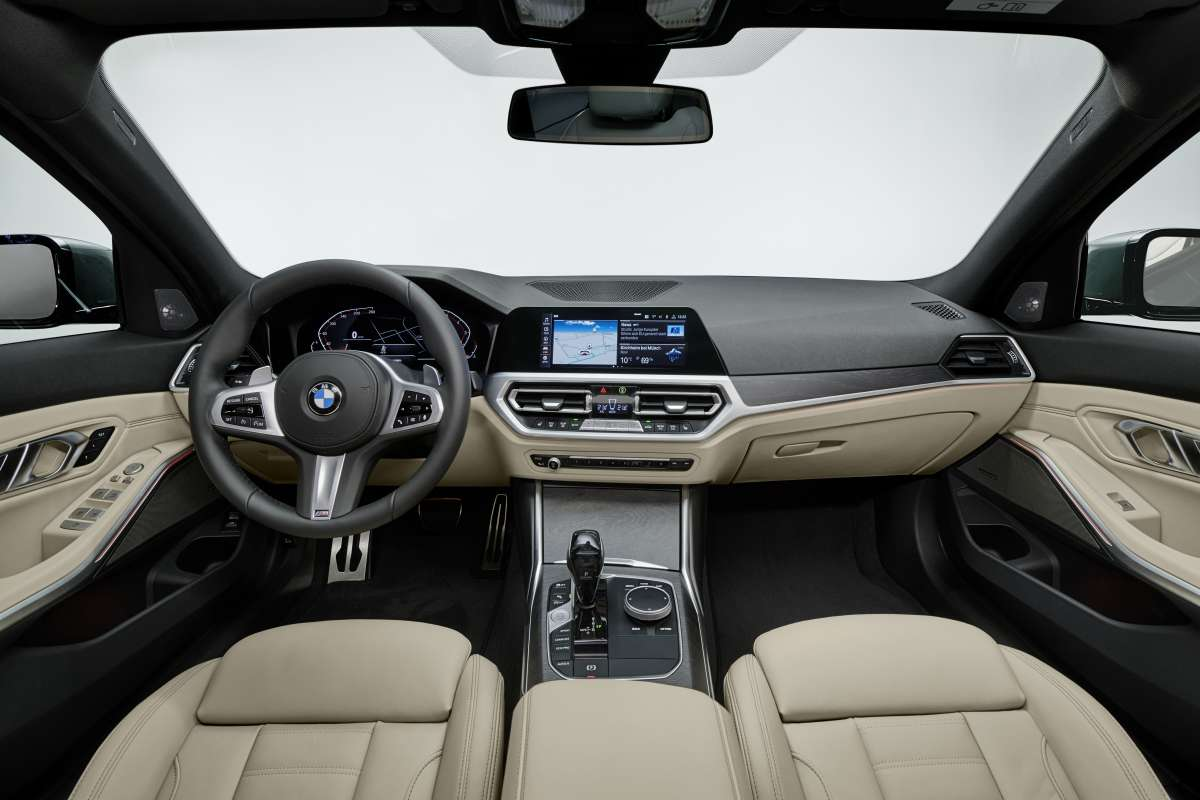 3 series touring Dashboard