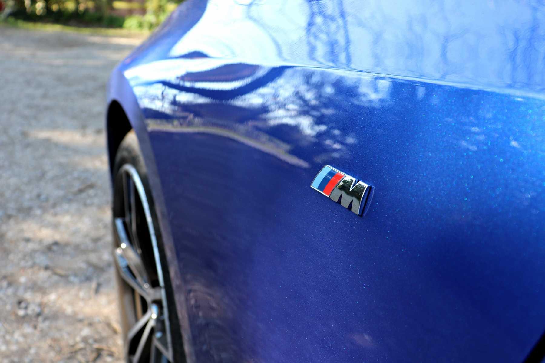 G20 3 serie 320d Blue M Sport Badge