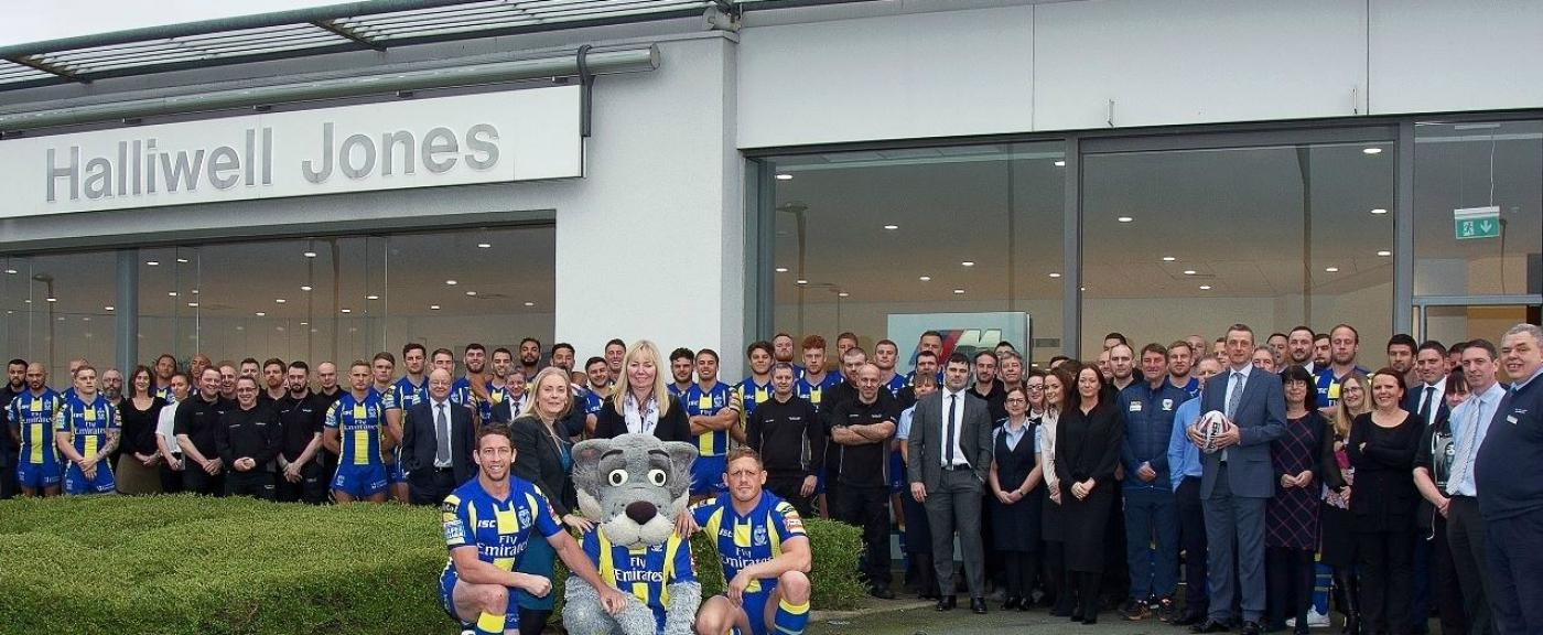 Warrington Wolves Outside Pic Cropped 1400 576 S C1