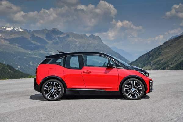 New BMW i3s Side Profile
