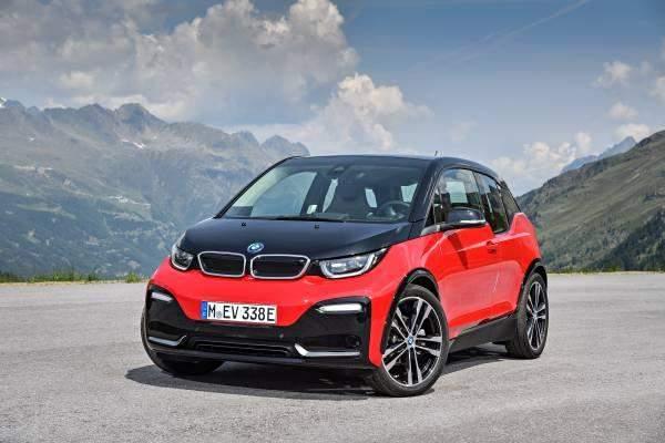 BMW i3s Mountainside