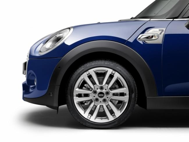 P90211173 High Res Mini Cooper S 5 Door 600 450 S C1