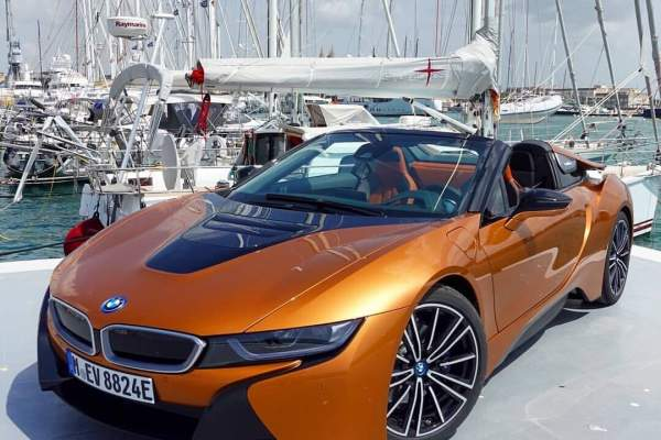 Bmw I8 Roadster Social Media Content Ugc Front Original File