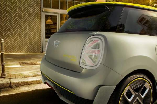 The MINI Electric Back