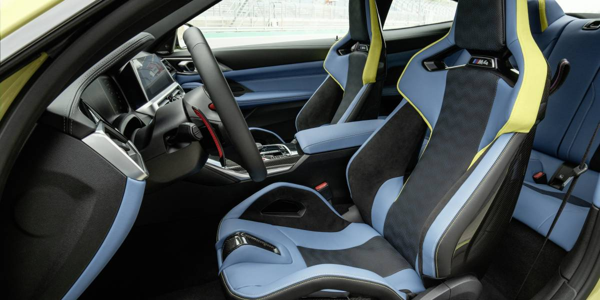 2020 BMW M4 Front seats