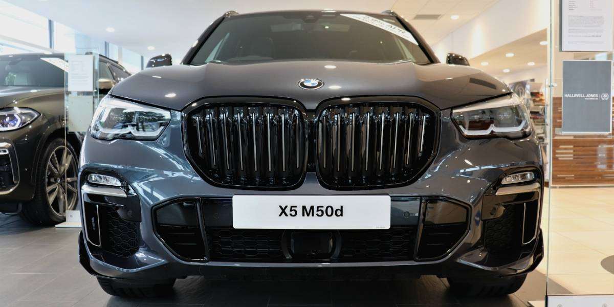 NW X5 M50d Front