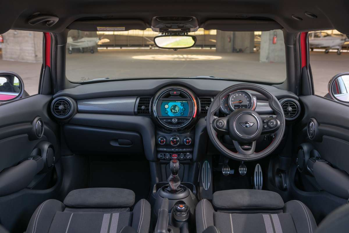 2019 MINI 5 Door Sport interior dashboard Original File