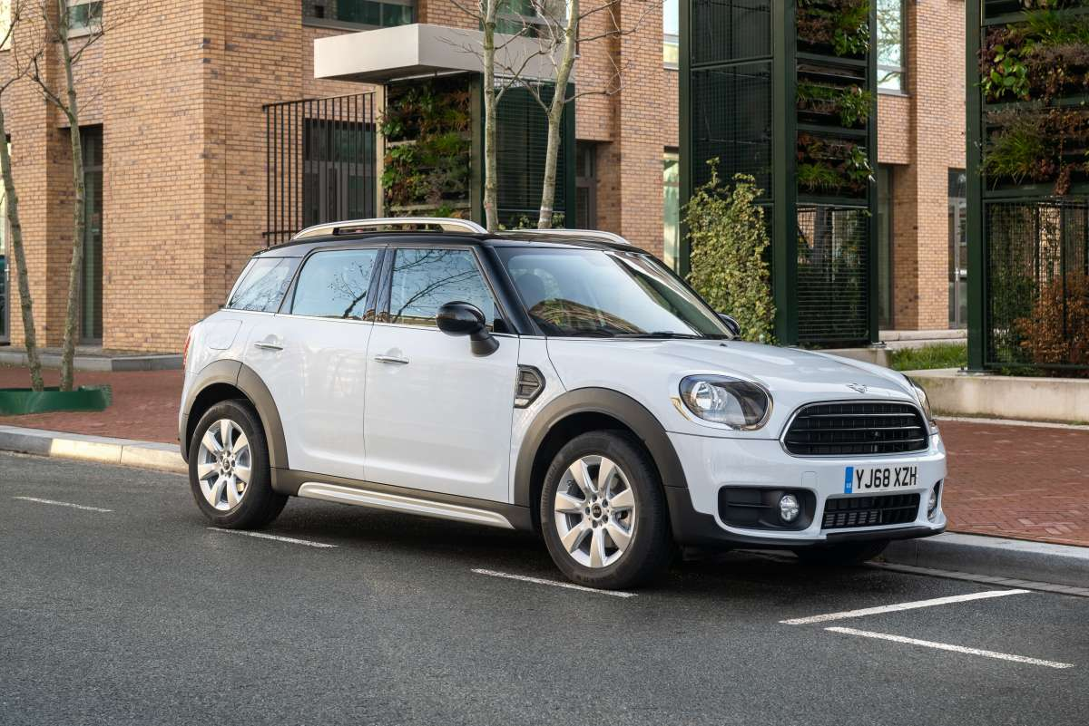 2019 MINI Countryman Classic Front Shot Original File 2