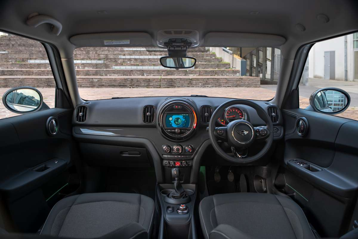 2019 MINI Countryman Classic Interior Shot Original File