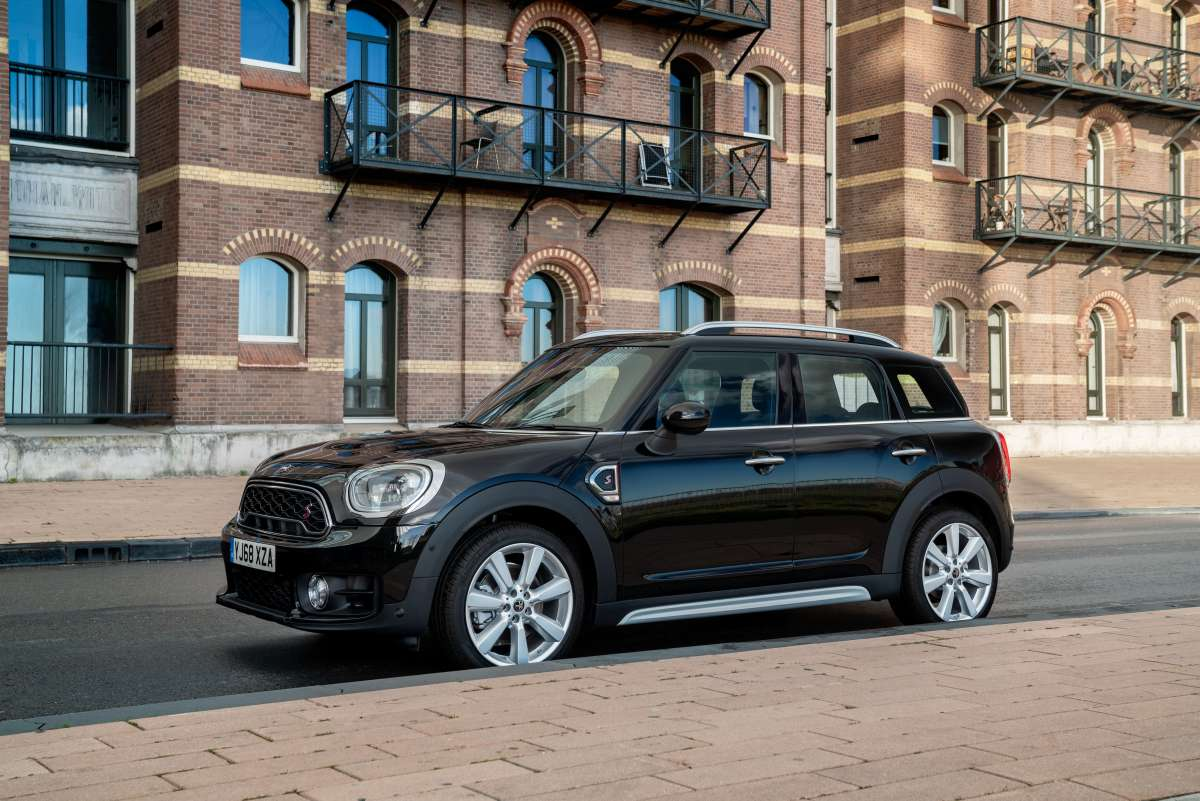2019 MINI Countryman Exclusive Side Shot Original File