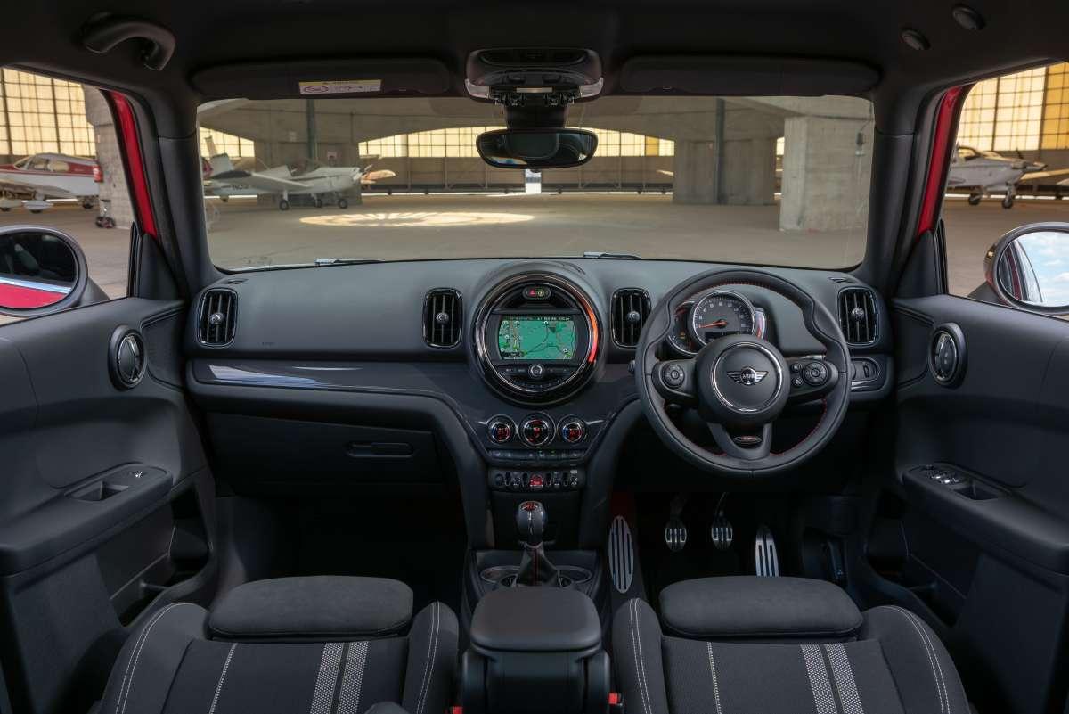 2019 MINI Countryman Sport interior dashboard Original File