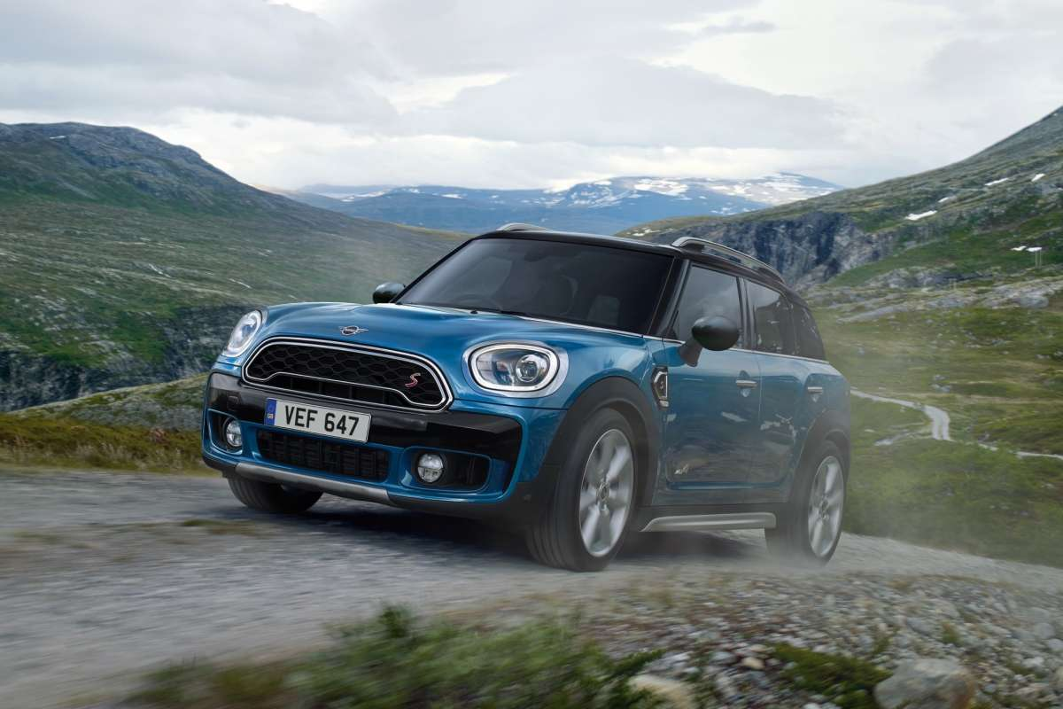 Countryman Exterior Profile Front New Car Badge Dynamic Image New Car 2018 High Resolution JPEG 3