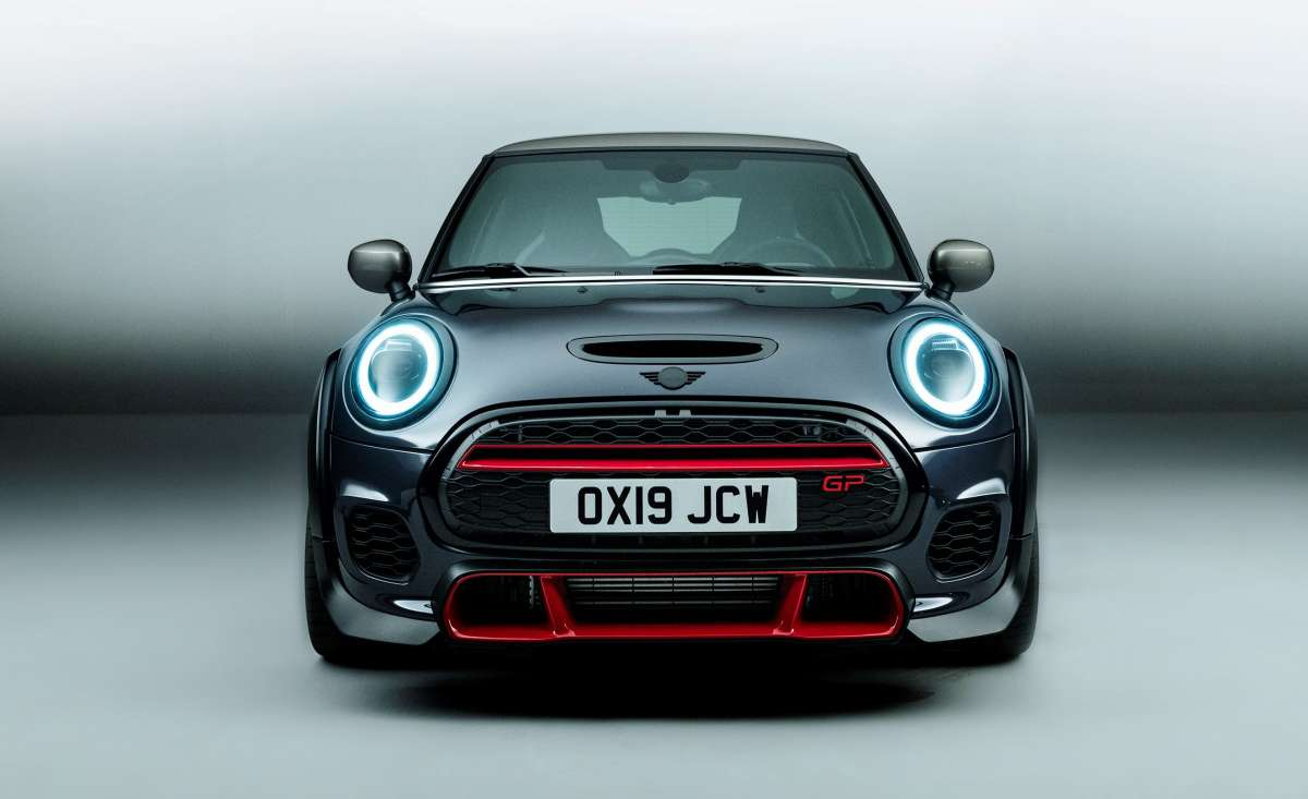 P90376259 high Res mini john cooper wor 2