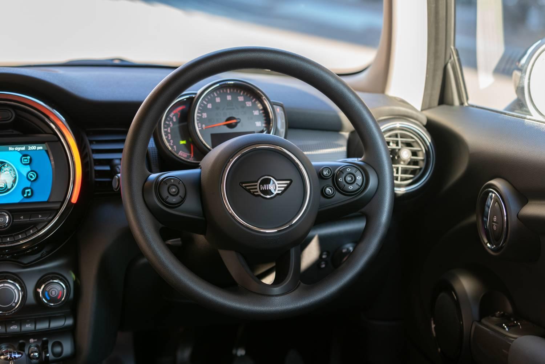 2019 MINI 3 Door Classic Front Wheel Original File