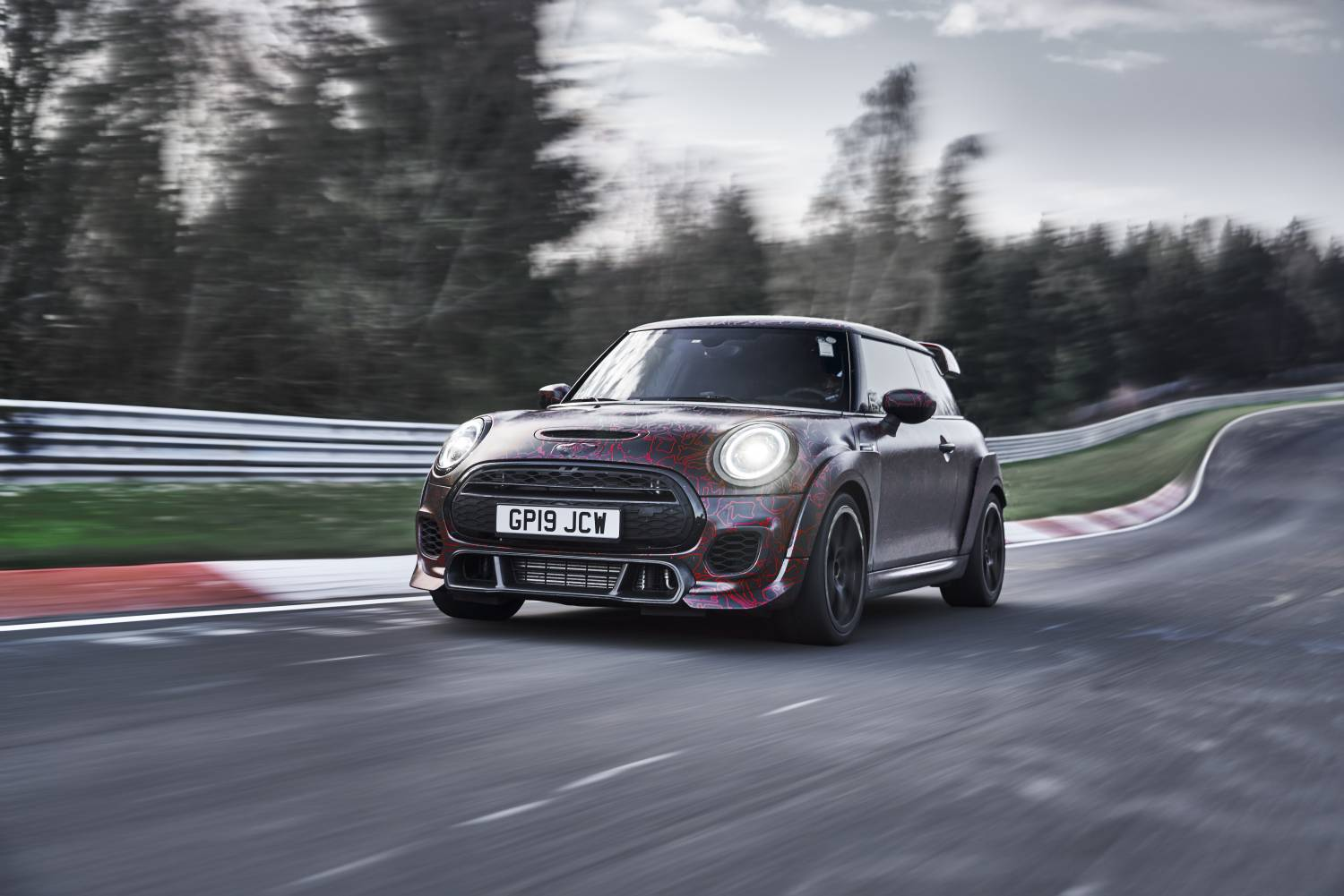 P90352770 high Res mini john cooper wor