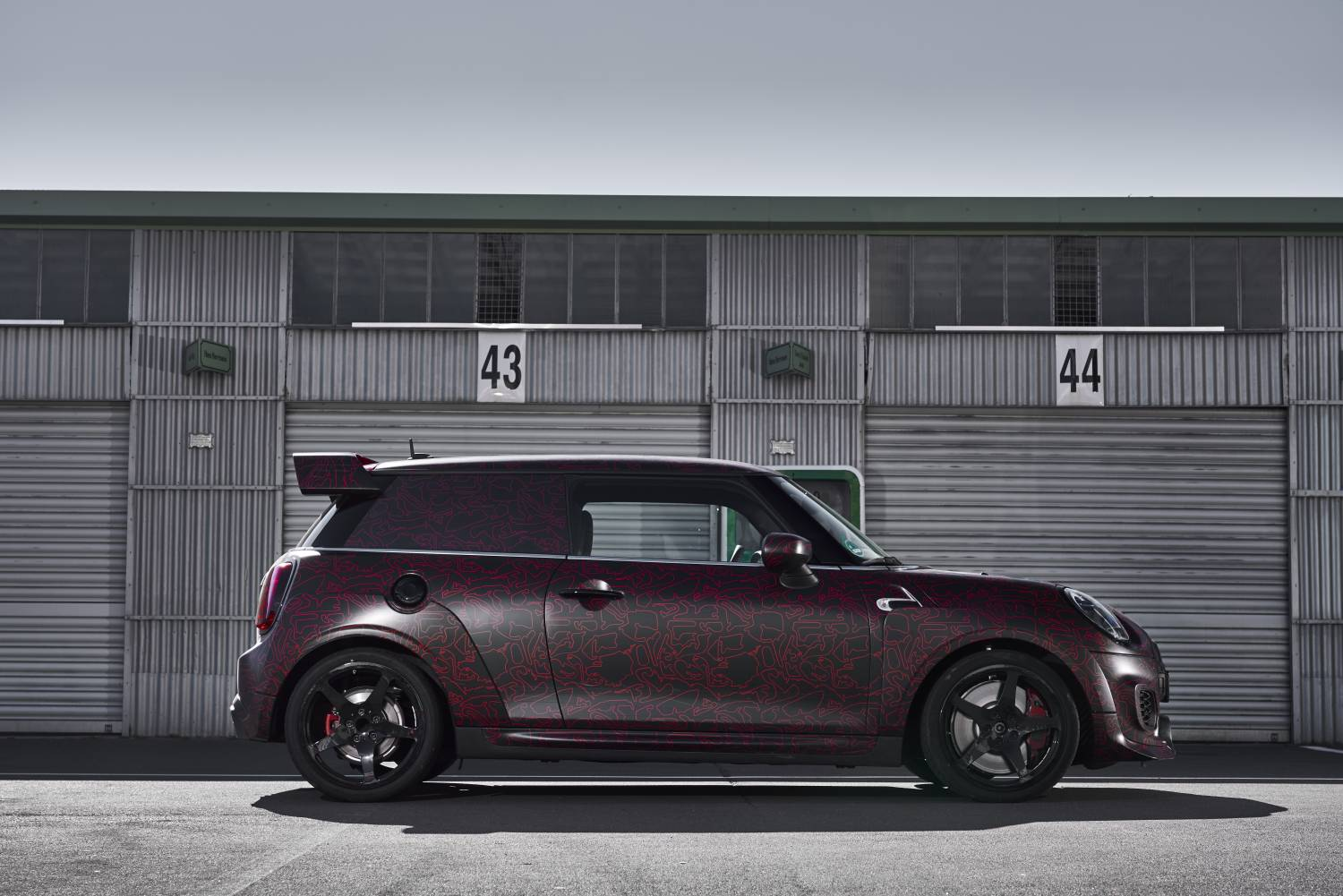 P90352793 high Res mini john cooper wor