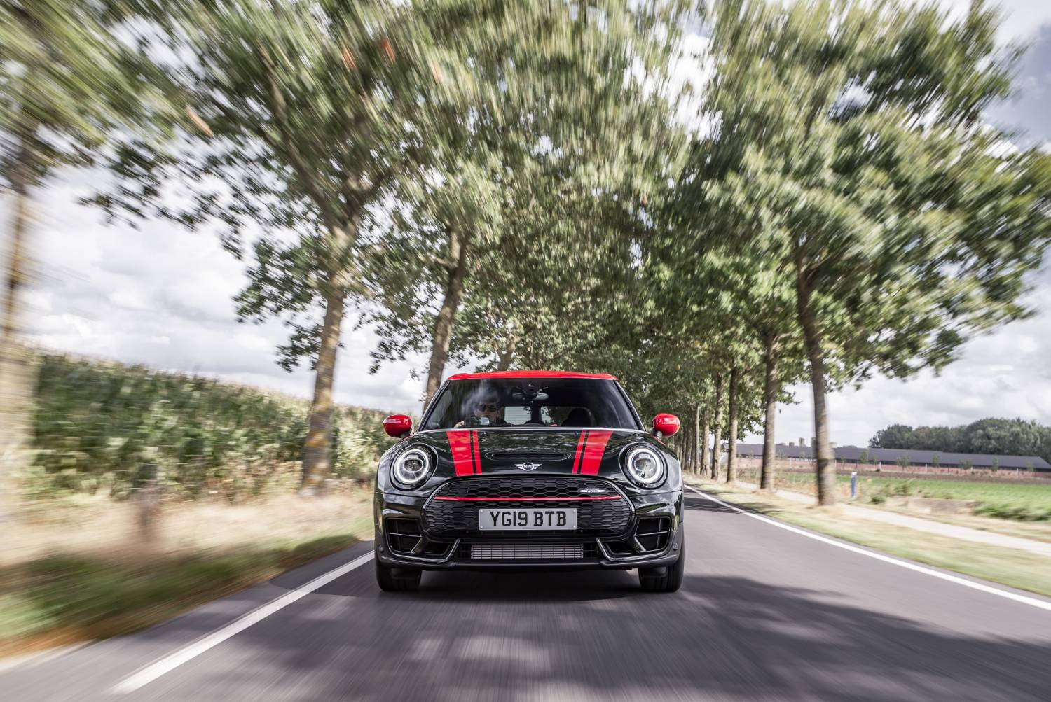 P90367404 high Res the new mini clubman