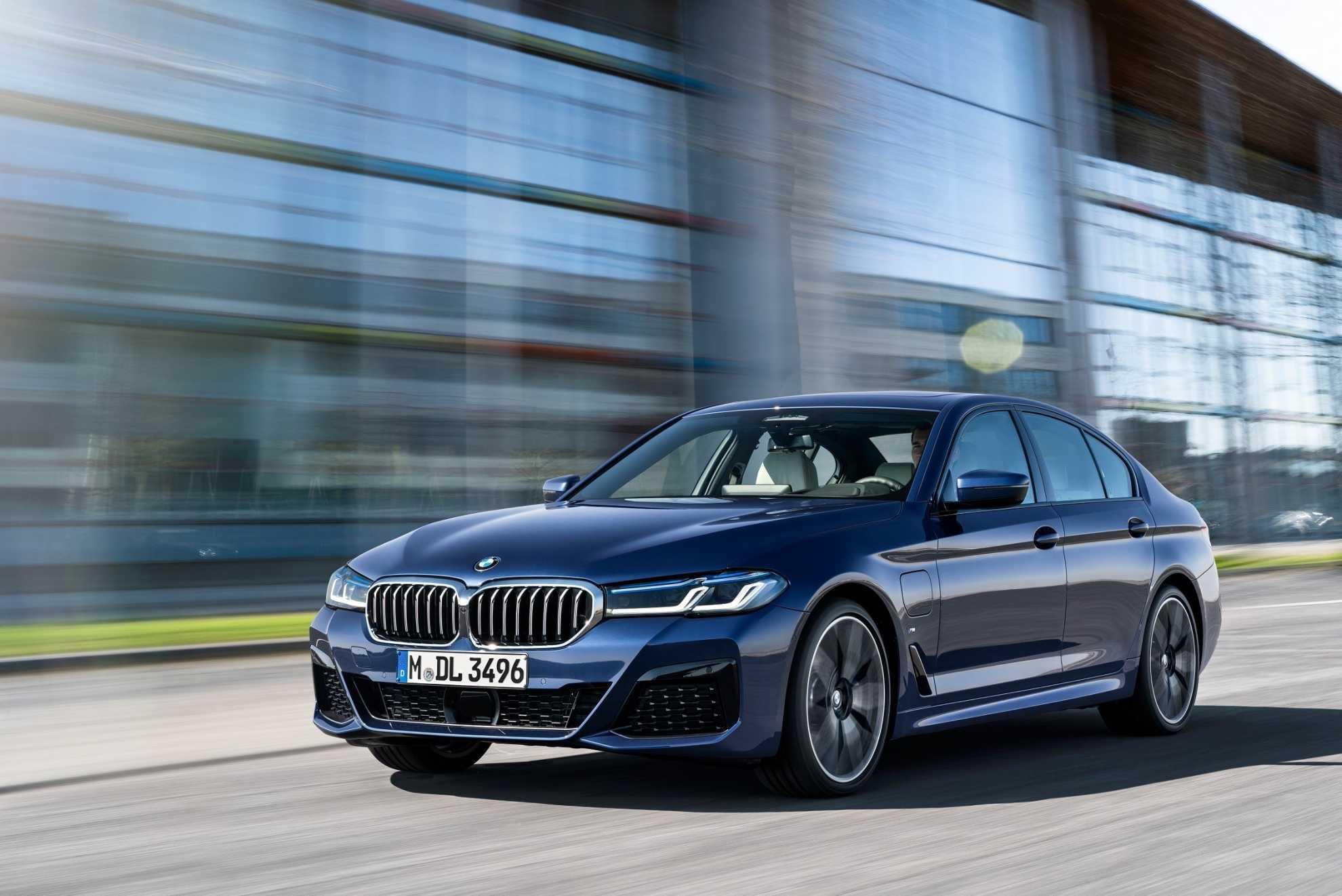 The BMW M5 Edition 35 Jahre Door Sill