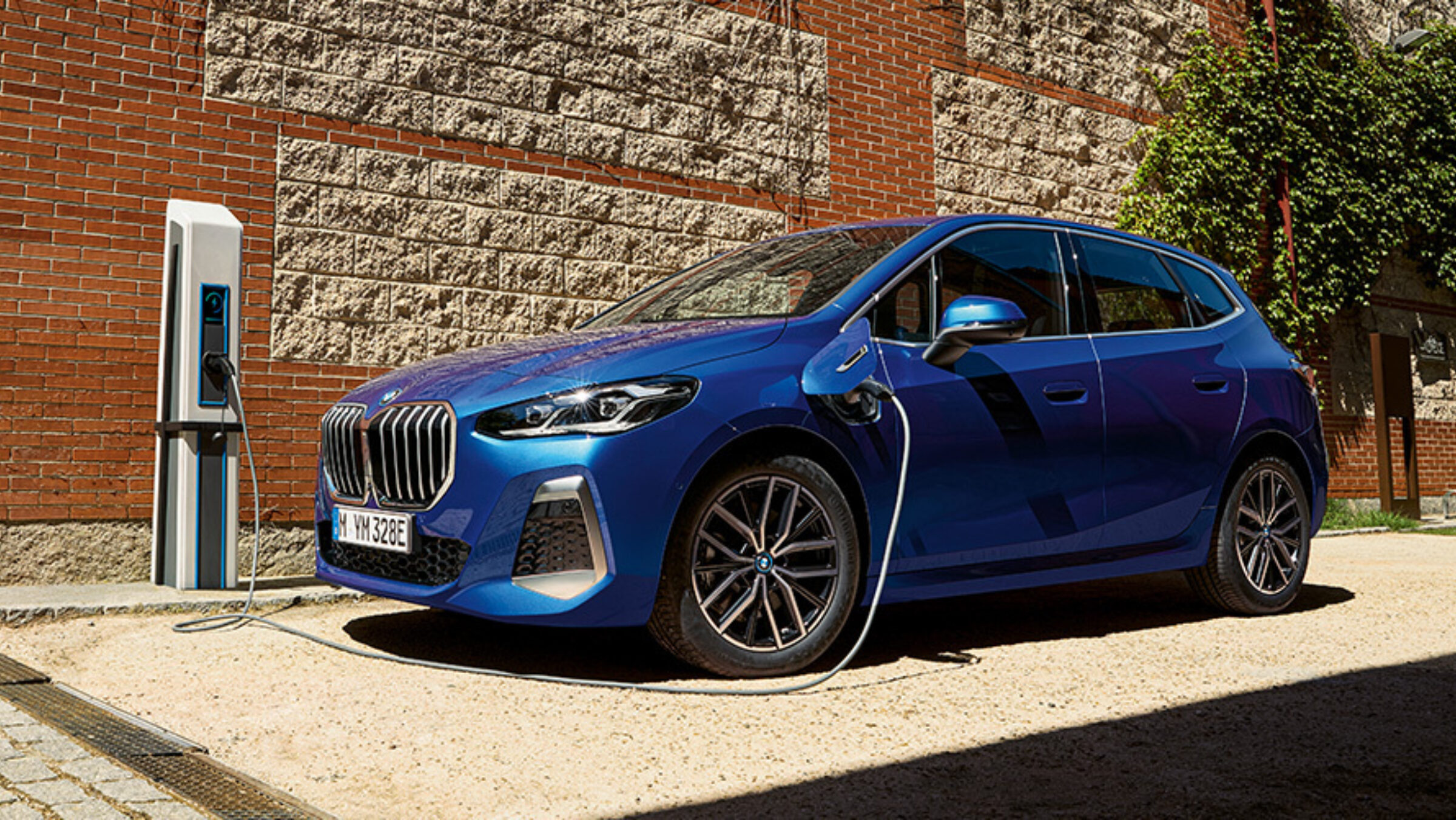 Bmw 2 series active tourer onepager ms charging phev mhev