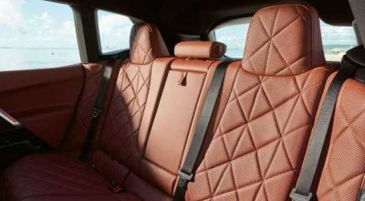 Rear Lounge Seats.
