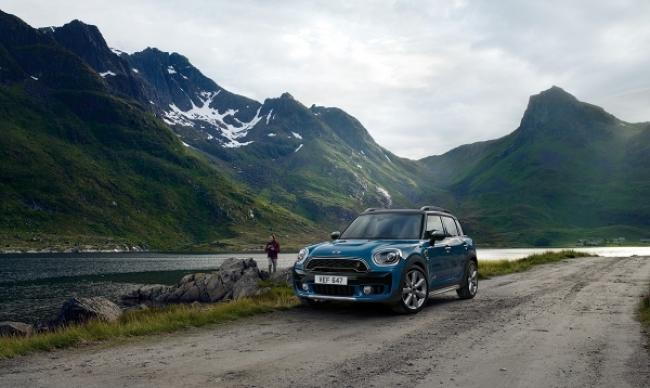Mini Countryman Mountains 600 358 S C1