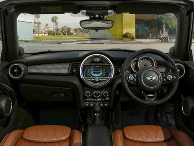 Min 150 Edition Interior 600 450 S C1