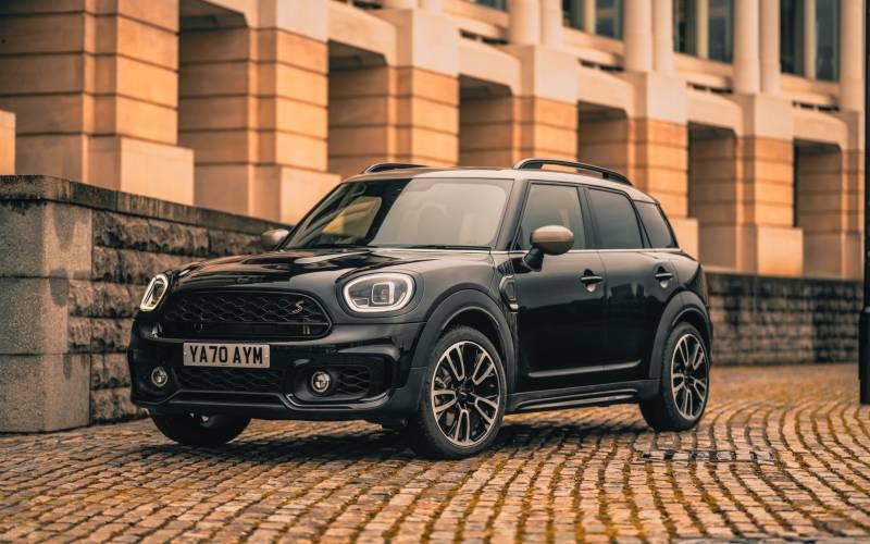 MINI Countryman Shadow Edition Image Front 3 4 New Car