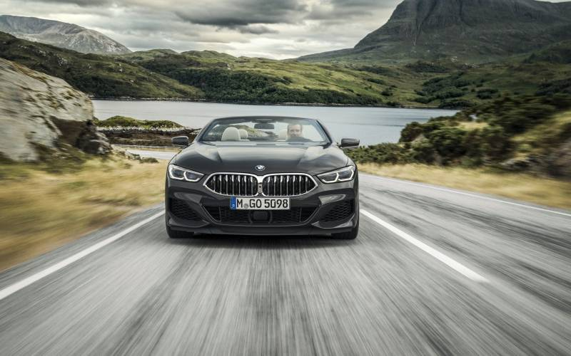 P90327630 low Res the new bmw 8 series
